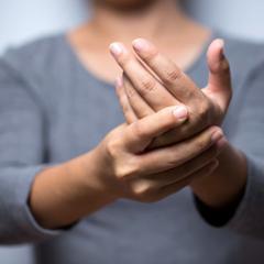 Des médicaments contre l'arthrite réduiraient de moitié le risque d ...